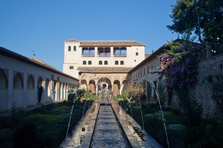 Patio de la Acequia en el palacio del Generalife, Granada