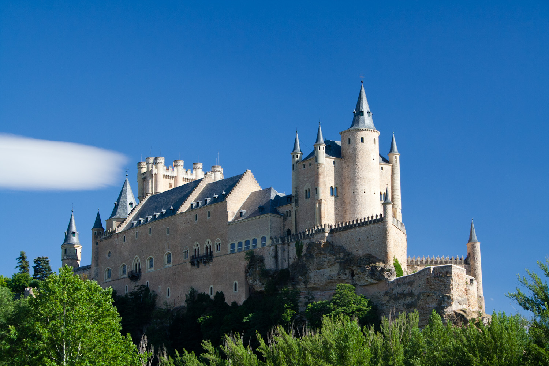 Alcázar de Segovia, visto desde la Iglesia de la Vera Cruz