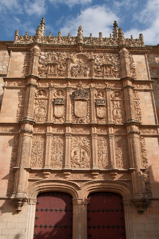 Fachada de las Escuelas Mayores de la Universidad de Salamanca, España