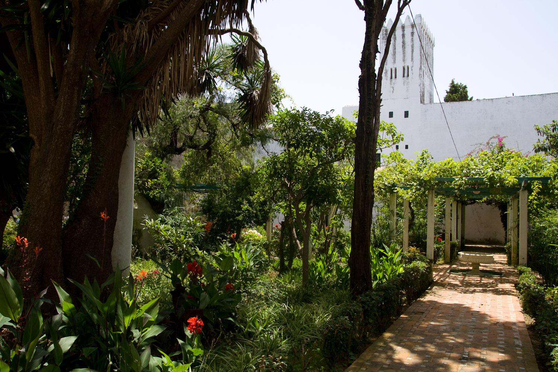 Paseando por el jardín del Museo de la Kasbah - Tánger, Marruecos