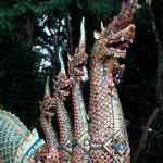 Naga en el templo Wat Phrathat Doi Suthep, Chiang Mai, Tailandia