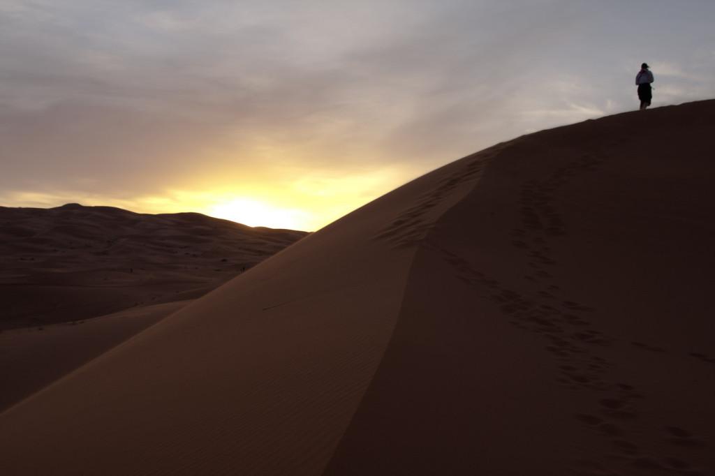 Amanecer en las dunas de Erg Chebbi, Marruecos