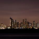 Vista nocturna de Panamá y su bahía