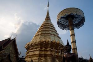 Chedi del templo Wat Phrathat Doi Suthep, Chiang Mai, Tailandia
