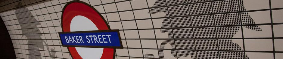Siluetas del residente más famoso de Baker Street en la estación con el mismo nombre