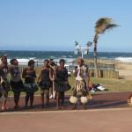 Grupo musical tradicional en la Milla Dorada de Durban, Sudáfrica