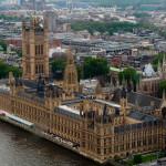 Vista aérea de las Casas del Parlamento, Londres, Reino Unido