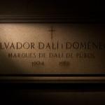 Tumba de Salvador Dalí en el Teatro-Museo Dalí en Figueres, España