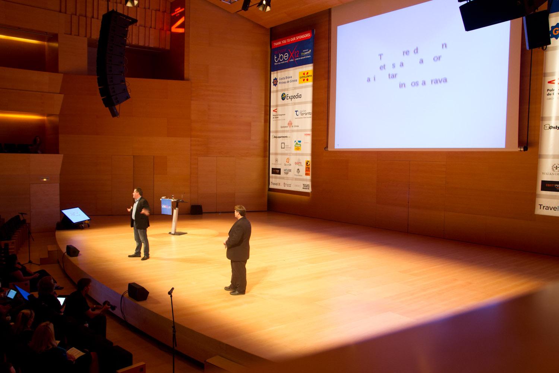 Peter Shankman, dando la charla inaugural del TBEX Girona 2012