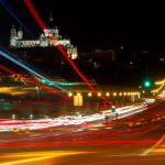Vista nocturna de la Catedral de la Almudena y el Puente de Segovia, Madrid, España