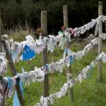Pañuelos en las inmediaciones de la fuente santa de San Andrés de Teixido, España