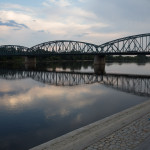 Puente sobre el río Vístula en Toruń, Polonia