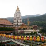 El templo Kek Lok Si durante las celebraciones de año nuevo lunar, Penang, Malasia