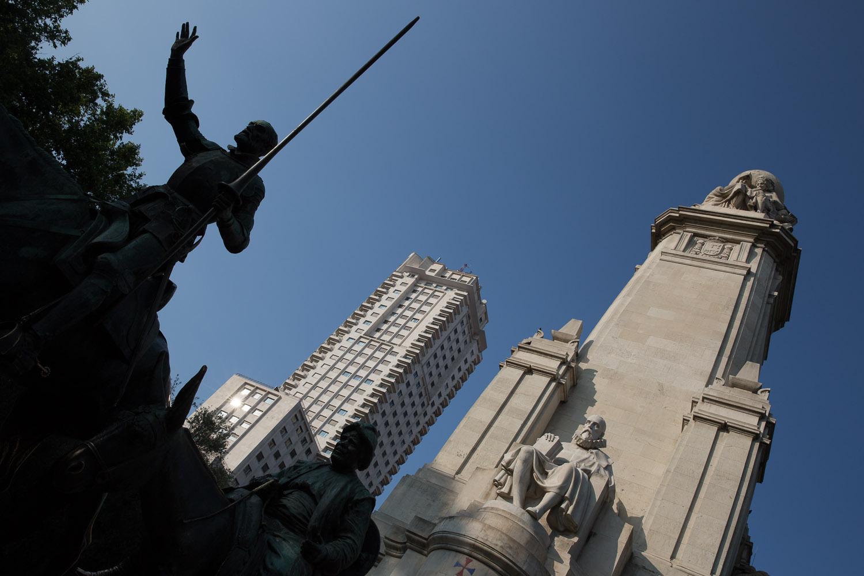 Monumento a Cervantes en la Plaza de España de Madrid