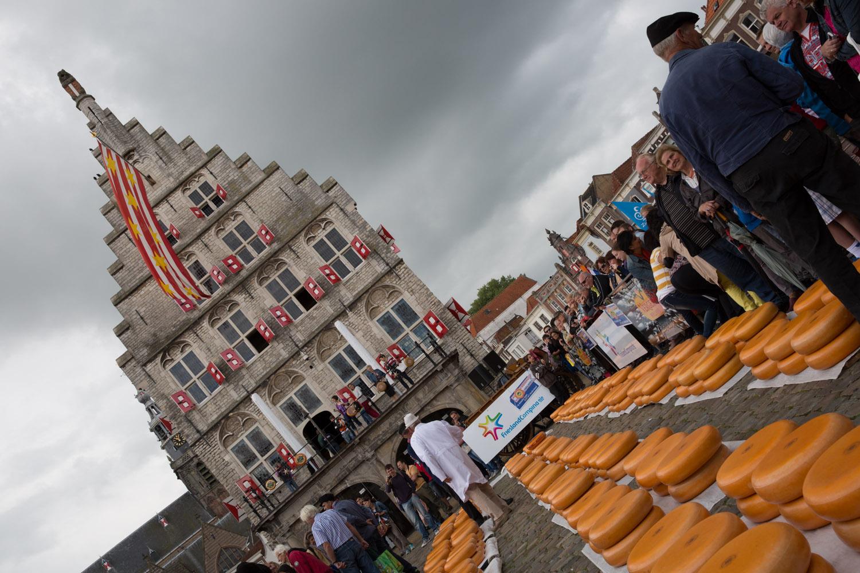 Mercado de quesos tradicional en Gouda, Países Bajos
