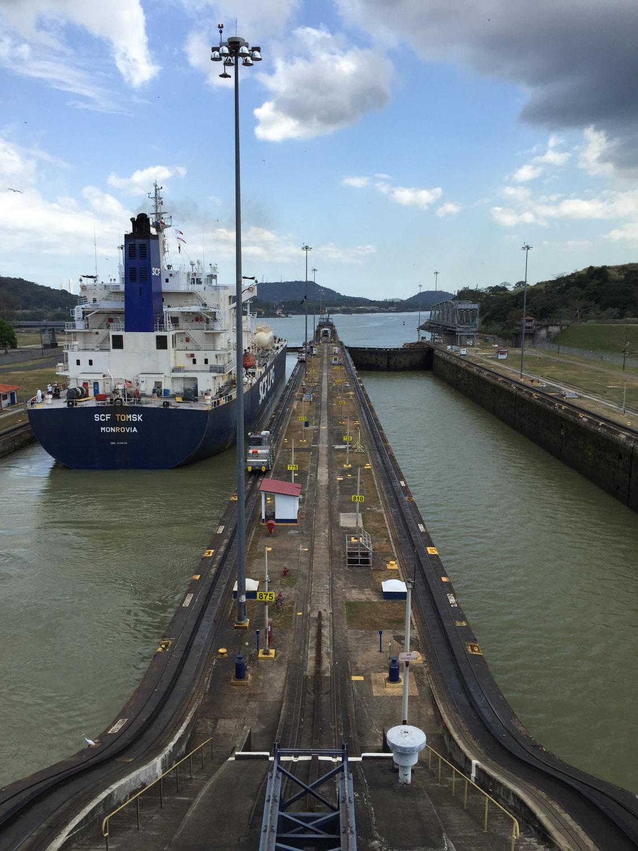 Vista de las esclusas de Miraflores desde el edificio de control, Canal de Panamá