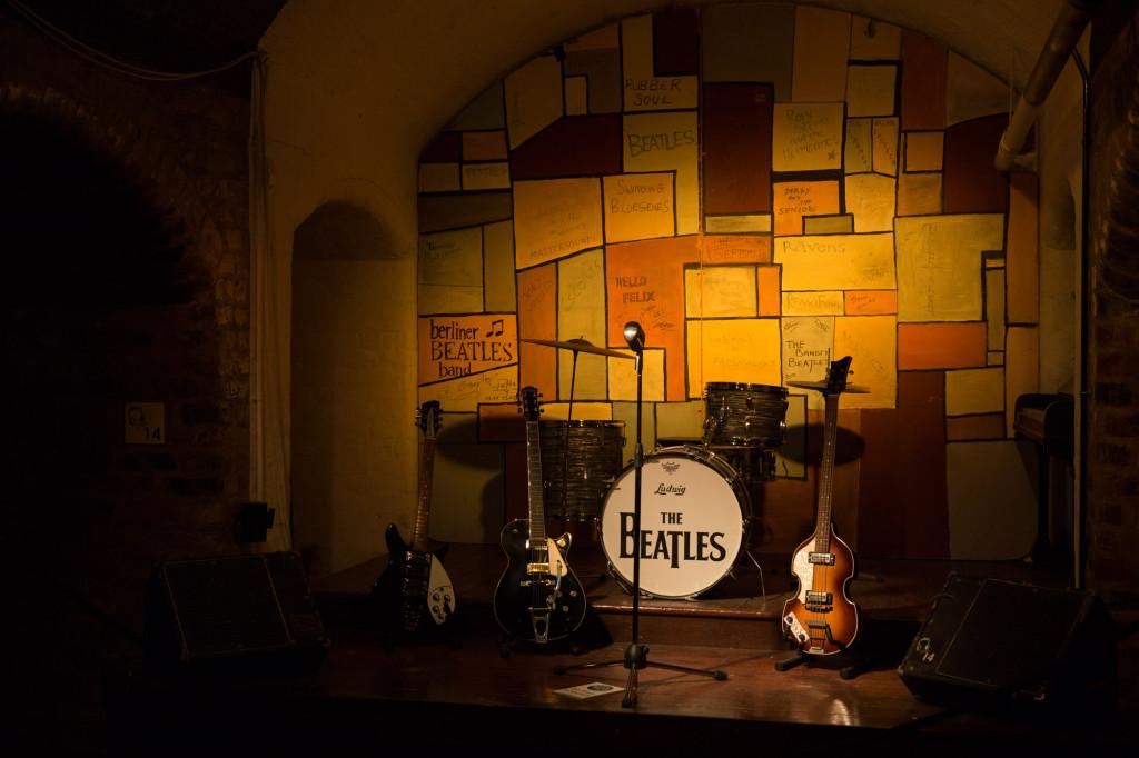 El escenario de The Cavern donde Los Beatles cautivaron al público de Liverpool