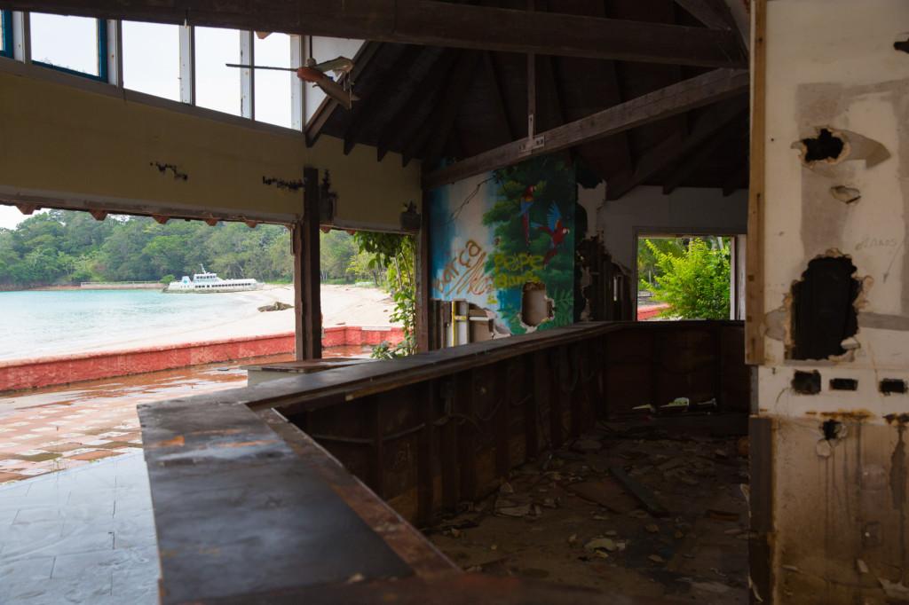Las ruinas de Hotel Contadora