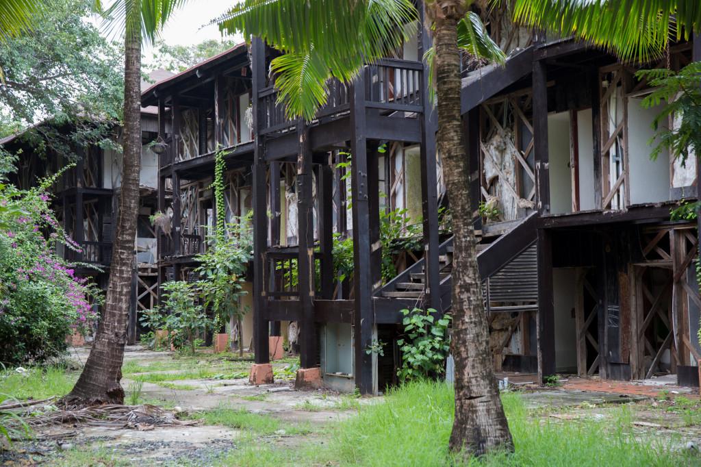 Más de las ruinas de Hotel Contadora