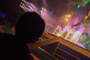 Un niño disfruta del espectáculo Disney Junior Live en Disney's Hollywood Studios, Orlando, EE.UU.