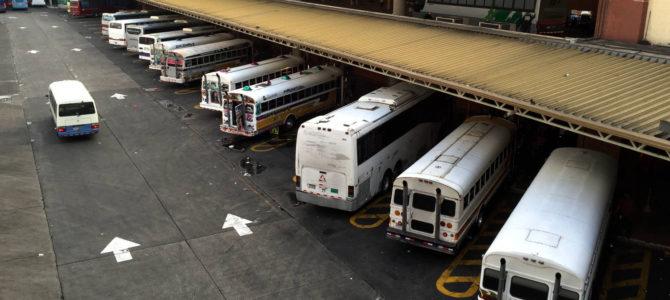 Cómo llegar a los hoteles de Playa Blanca en transporte público