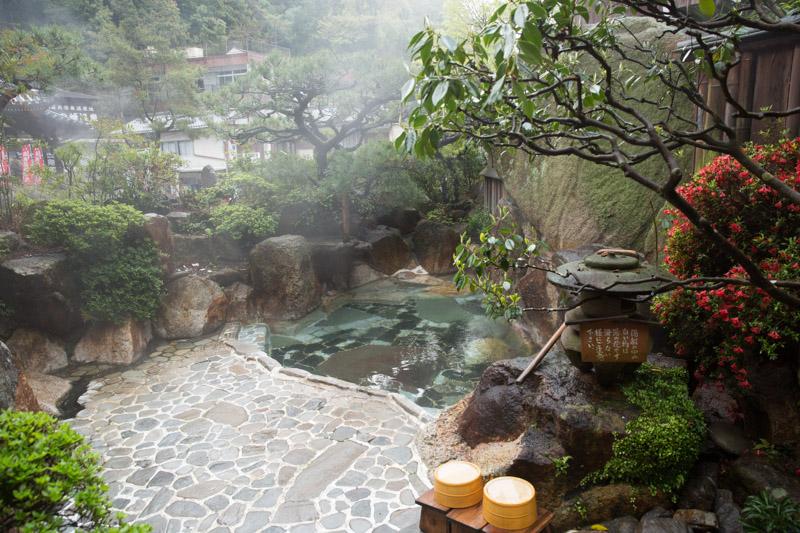 Baño exterior en Yunomine Onsen, Japón