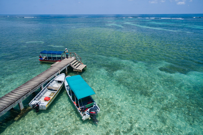 Muelle en Cayo Zapatilla 2, Bocas del Toro, Panamá