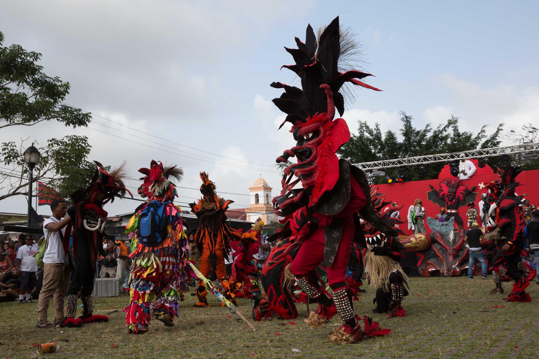 Presentación oficial de diablos y congos en Portobelo